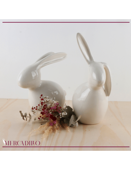 Figuras de cerámica conejos.