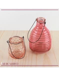 Jarrón y botella de cristal rosa.
